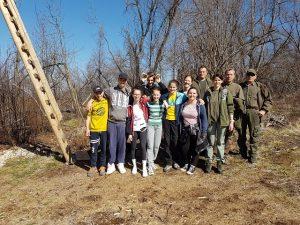 Raziskovanje gozda z lovci
