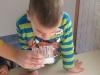 Piščal iz stekleničk in vode